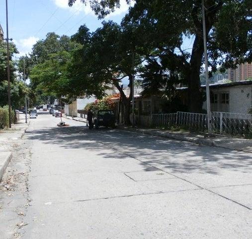 Terreno Carabobo>Valencia>Avenida Bolivar Norte - Venta:23.959.000.000 Precio Referencial - codigo: 16-15485