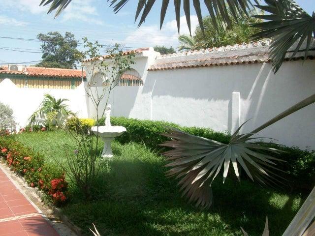 Casa Aragua>La Victoria>La Mora II - Venta:735.000.000 Bolivares - codigo: 16-15506