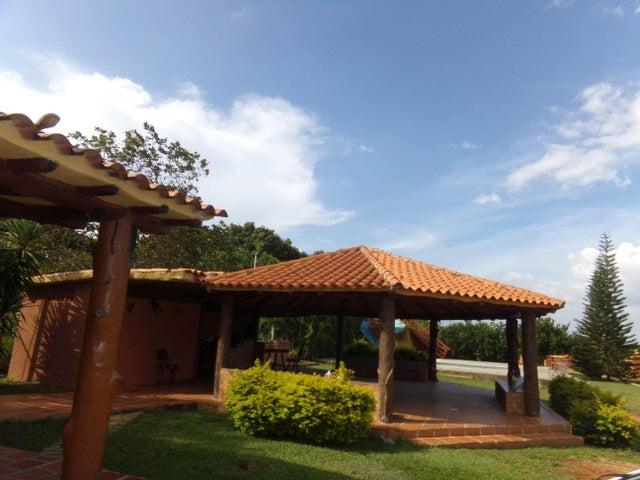 Casa Carabobo>Valencia>Sabana del Medio - Venta:4.000.000.000 Bolivares - codigo: 16-15549