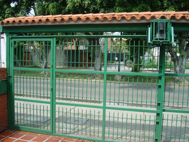 Townhouse Carabobo>Municipio Naguanagua>La Granja - Venta:980.000.000 Bolivares Fuertes - codigo: 15-5741