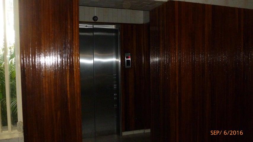 Apartamento Distrito Metropolitano>Caracas>Los Chorros - Venta:13.600.000.000 Bolivares Fuertes - codigo: 16-15632