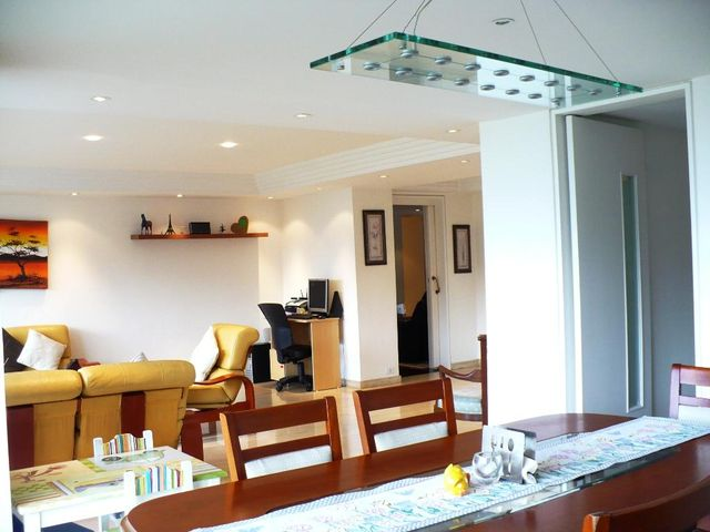 Apartamento Distrito Metropolitano>Caracas>Los Naranjos del Cafetal - Venta:36.425.000.000 Bolivares Fuertes - codigo: 16-15774