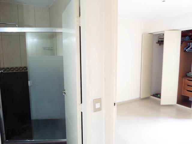 Apartamento Distrito Metropolitano>Caracas>Macaracuay - Venta:18.458.000.000 Bolivares Fuertes - codigo: 16-15584