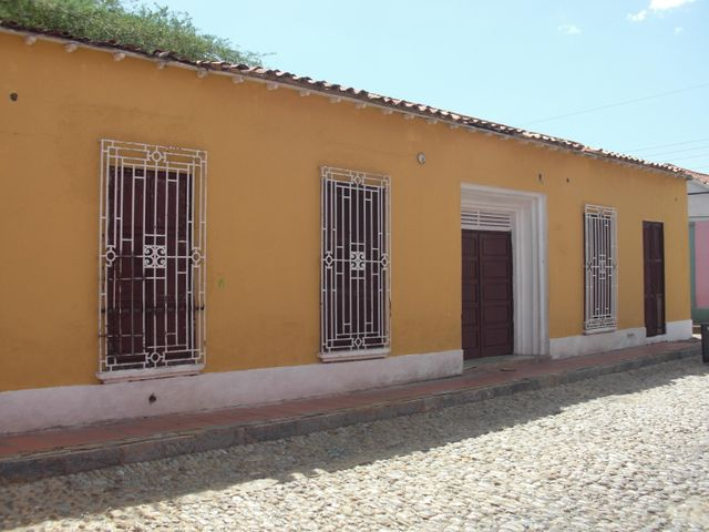 Casa Falcon>Coro>Zona Colonial - Venta:20.000 Precio Referencial - codigo: 16-15608