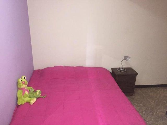 Apartamento Distrito Metropolitano>Caracas>El Paraiso - Venta:16.153.000.000 Bolivares Fuertes - codigo: 16-15669