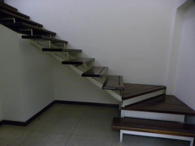 Oficina Distrito Metropolitano>Caracas>El Cafetal - Venta:109.884.000.000 Bolivares - codigo: 16-15675