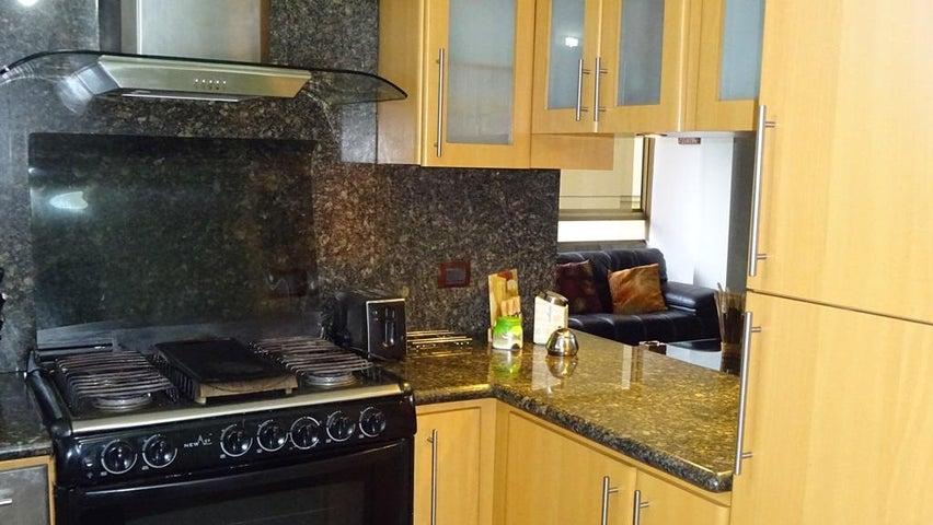 Apartamento Distrito Metropolitano>Caracas>Los Palos Grandes - Venta:24.814.000.000 Bolivares Fuertes - codigo: 16-15699