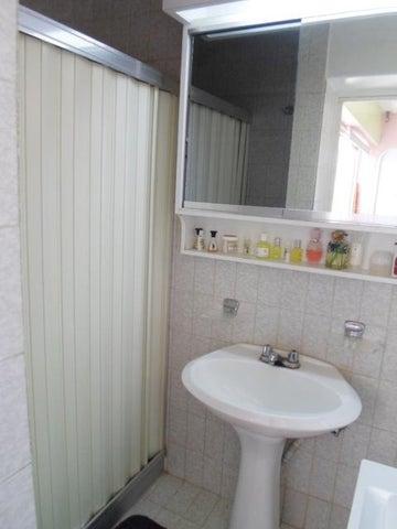 Apartamento Vargas>Parroquia Caraballeda>Tanaguarena - Venta:26.380.000.000 Precio Referencial - codigo: 16-15742