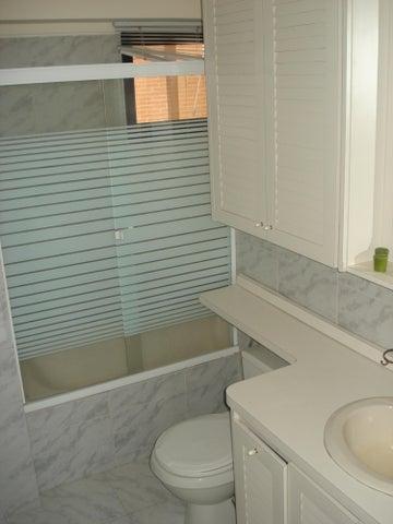 Apartamento Distrito Metropolitano>Caracas>La Tahona - Venta:92.331.000.000 Precio Referencial - codigo: 16-15726