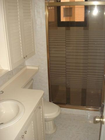 Apartamento Distrito Metropolitano>Caracas>La Tahona - Venta:24.895.000.000 Bolivares Fuertes - codigo: 16-15726