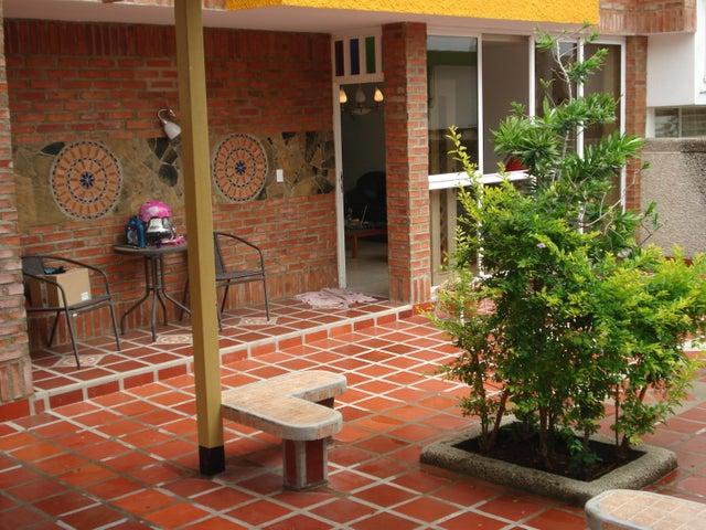 Casa Distrito Metropolitano>Caracas>Los Pomelos - Venta:266.541.000.000 Precio Referencial - codigo: 16-15727