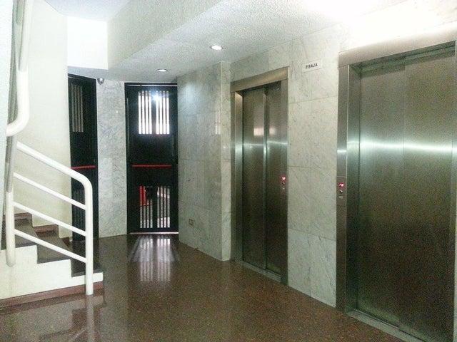 Apartamento Distrito Metropolitano>Caracas>Campo Alegre - Venta:72.733.000.000 Precio Referencial - codigo: 16-15736
