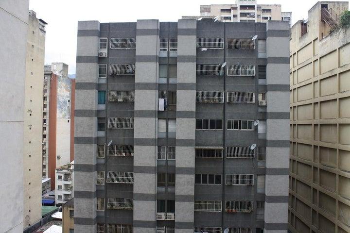 Oficina Distrito Metropolitano>Caracas>La Candelaria - Venta:18.800.000.000 Bolivares - codigo: 16-15755