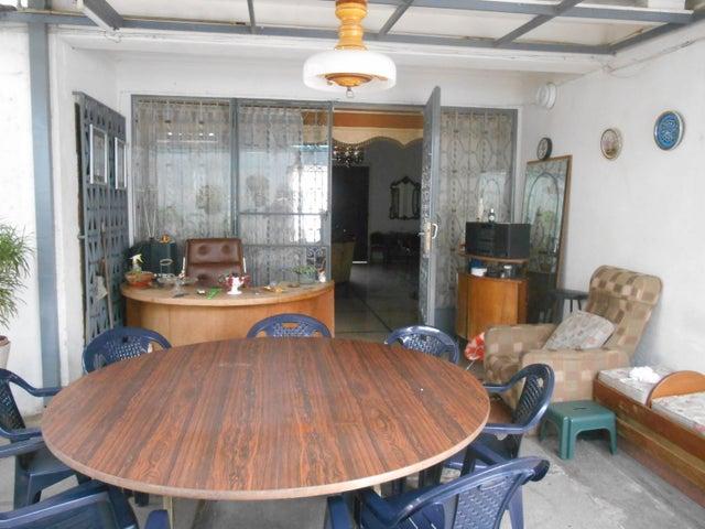 Casa Distrito Metropolitano>Caracas>La Floresta - Venta:350.000 US Dollar - codigo: 16-15797