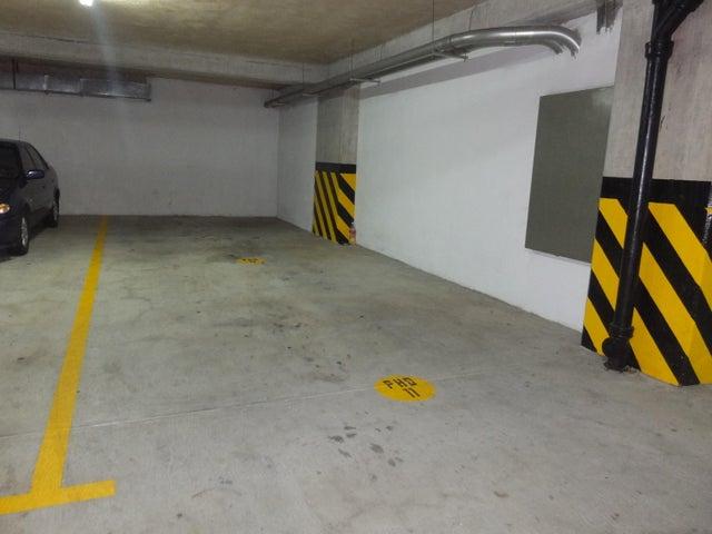 Apartamento Distrito Metropolitano>Caracas>La Lagunita Country Club - Venta:37.236.000.000 Bolivares Fuertes - codigo: 16-15772