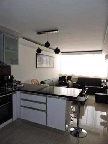 Apartamento Distrito Metropolitano>Caracas>Lomas del Sol - Venta:58.000 US Dollar - codigo: 16-15804