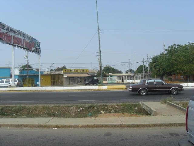 Terreno Zulia>Cabimas>R-10 - Venta:35.000.000 Bolivares - codigo: 16-15834