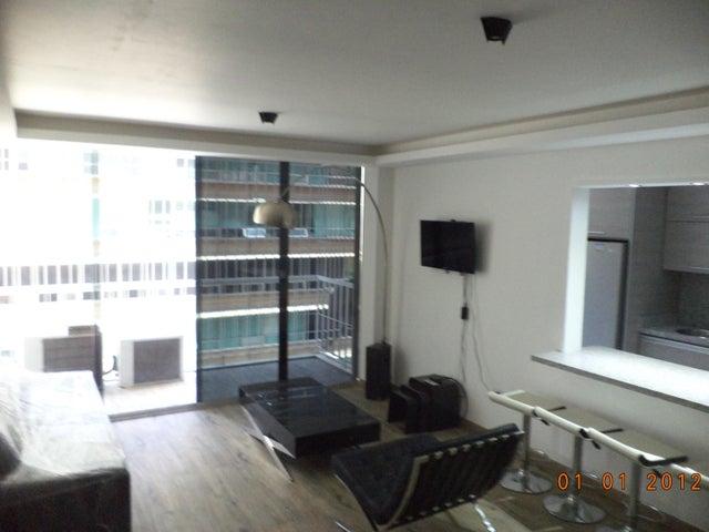 Apartamento Distrito Metropolitano>Caracas>Los Palos Grandes - Alquiler:20.000.000 Bolivares Fuertes - codigo: 16-15853