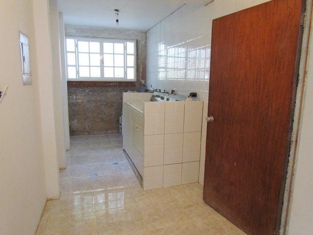 Casa Distrito Metropolitano>Caracas>Prados del Este - Venta:40.737.000.000 Bolivares - codigo: 16-15947