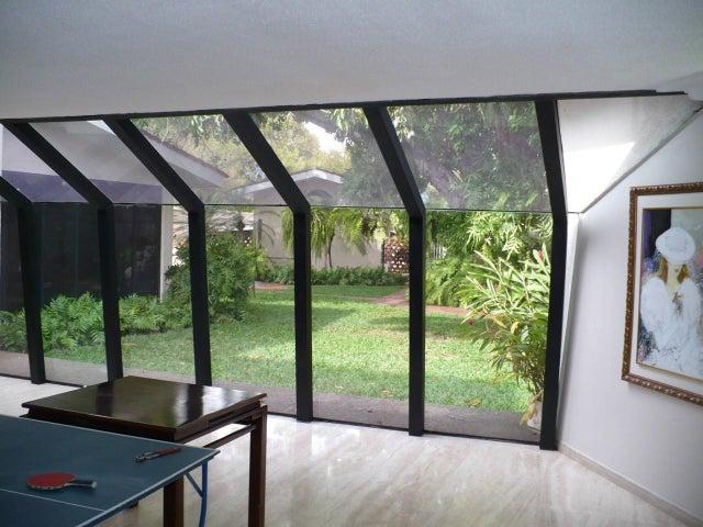 Casa Zulia>Maracaibo>Juana de Avila - Venta:219.226.000.000 Bolivares Fuertes - codigo: 16-15959