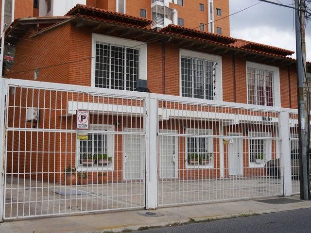Casa Lara>Barquisimeto>Zona Este - Venta:8.225.000.000 Bolivares Fuertes - codigo: 16-16002