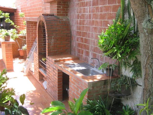 Casa Distrito Metropolitano>Caracas>Colinas de Bello Monte - Venta:180.000 Precio Referencial - codigo: 16-16047