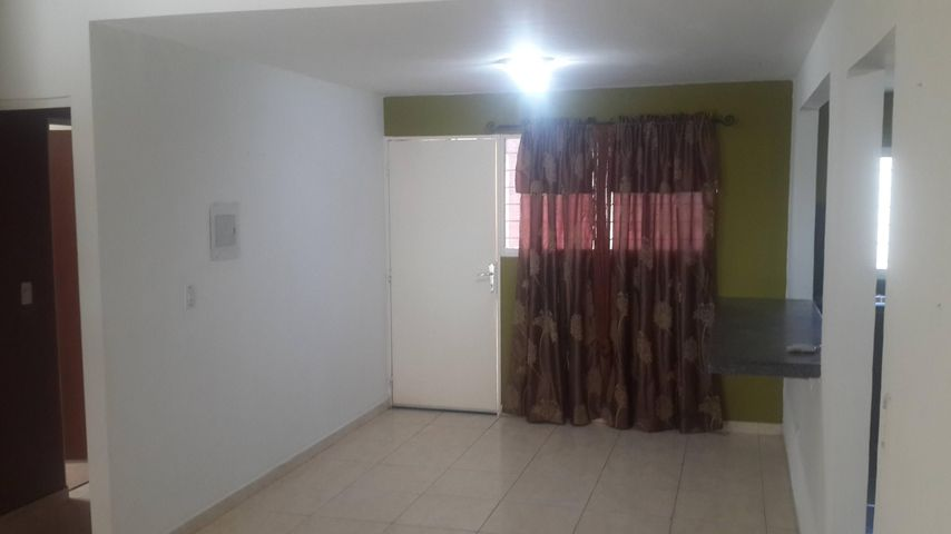 Casa Portuguesa>Acarigua>Bosques de Camorucos - Venta:28.000.000 Bolivares - codigo: 16-16026