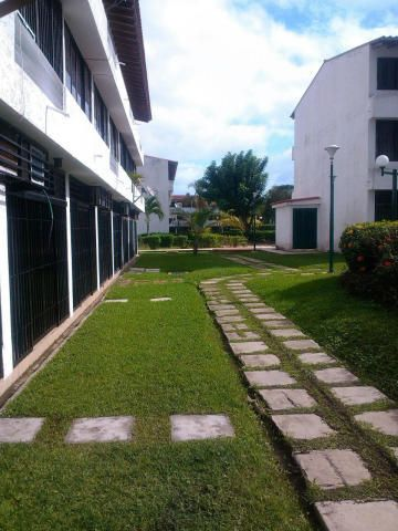Apartamento Miranda>Higuerote>Higuerote - Venta:4.512.000.000 Bolivares Fuertes - codigo: 16-16040