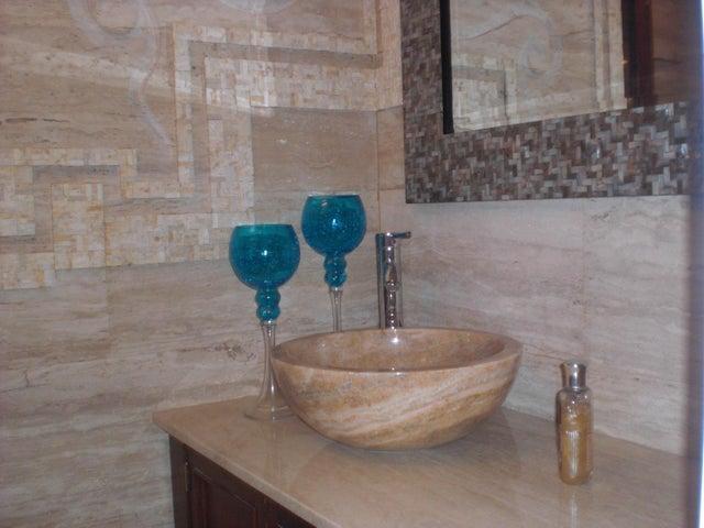 Apartamento Distrito Metropolitano>Caracas>Miranda - Venta:300.000 US Dollar - codigo: 16-16087