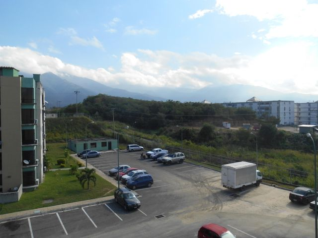 Apartamento Miranda>Guatire>El Refugio - Venta:6.413.000.000 Precio Referencial - codigo: 16-16064