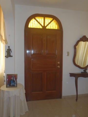 Casa Distrito Metropolitano>Caracas>Monterrey - Venta:300.000 Precio Referencial - codigo: 16-16264