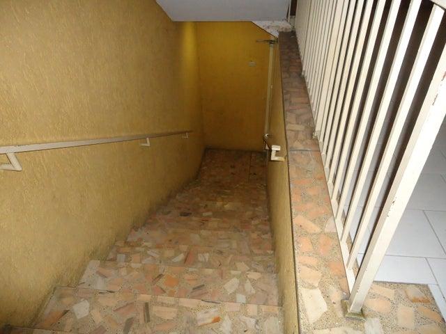 Apartamento Distrito Metropolitano>Caracas>Palo Verde - Venta:11.085.000.000 Bolivares Fuertes - codigo: 16-16173