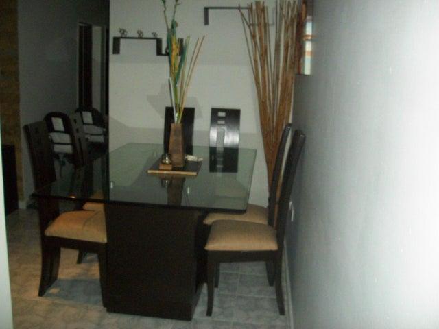 Apartamento Carabobo>Municipio Los Guayos>Paraparal - Venta:30.000.000 Bolivares Fuertes - codigo: 16-16125