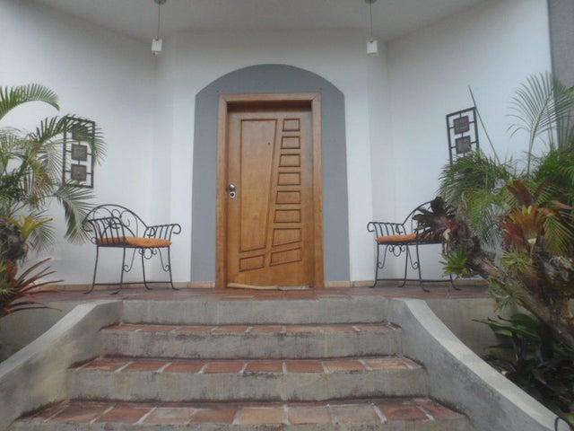 Casa Carabobo>Valencia>El Bosque - Venta:70.000 Precio Referencial - codigo: 16-16163