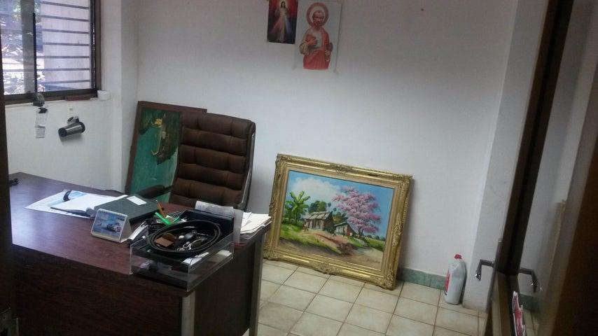 Galpon - Deposito Miranda>Cua>Marin 1 - Venta:484.526.000.000 Bolivares - codigo: 16-16293