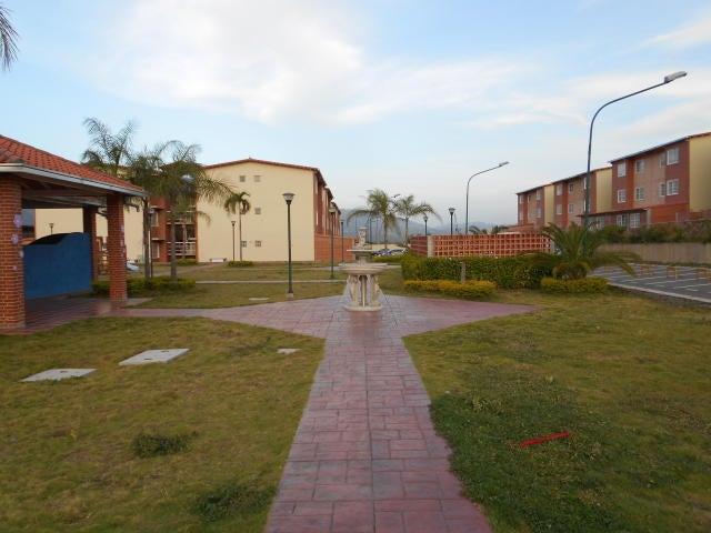 Apartamento Miranda>Guatire>Alto Grande - Venta:15.000 Precio Referencial - codigo: 16-16208