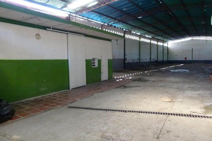 Galpon - Deposito Aragua>Maracay>Avenida Bolivar - Alquiler:500.000 Bolivares - codigo: 16-16222