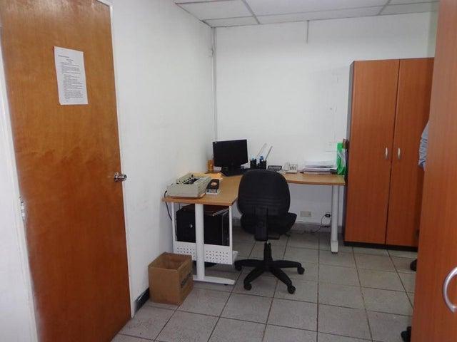 Oficina Distrito Metropolitano>Caracas>Plaza Venezuela - Venta:91.609.000.000 Precio Referencial - codigo: 16-16256