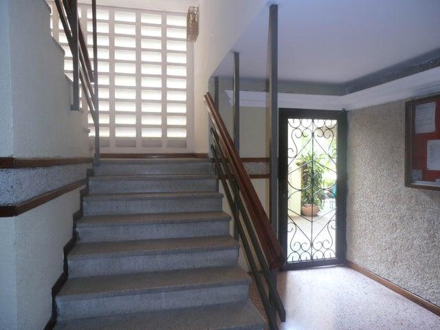 Apartamento Zulia>Maracaibo>Pueblo Nuevo - Venta:30.000.000 Bolivares Fuertes - codigo: 16-16265