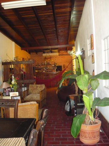 Casa Anzoategui>Barcelona>Nueva Barcelona - Venta:13.856.000.000 Bolivares - codigo: 16-16277