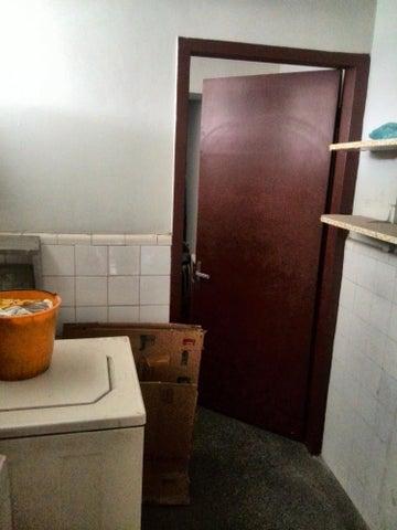 Apartamento Distrito Metropolitano>Caracas>San Bernardino - Venta:199.091.000.000 Precio Referencial - codigo: 16-16339