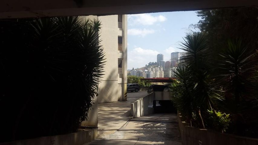 Apartamento Distrito Metropolitano>Caracas>Alto Prado - Venta:23.133.000.000 Bolivares Fuertes - codigo: 16-16379