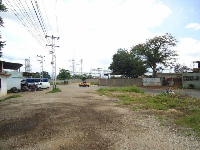 Galpon - Deposito Miranda>Santa Teresa>Centro - Venta:11.547.000.000 Bolivares - codigo: 16-16392