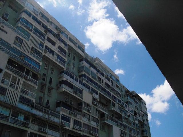 Oficina Distrito Metropolitano>Caracas>Los Chaguaramos - Venta:44.894.000.000 Precio Referencial - codigo: 16-16580