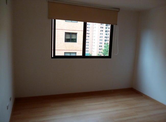 Apartamento Distrito Metropolitano>Caracas>Colinas de La Tahona - Venta:76.258.000.000 Precio Referencial - codigo: 16-16430