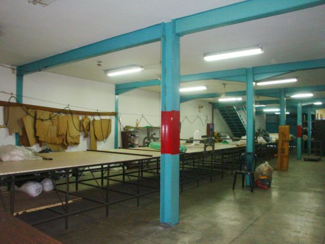 Local Comercial Aragua>Maracay>Santa Ana - Venta:46.545.000.000 Bolivares - codigo: 16-16438