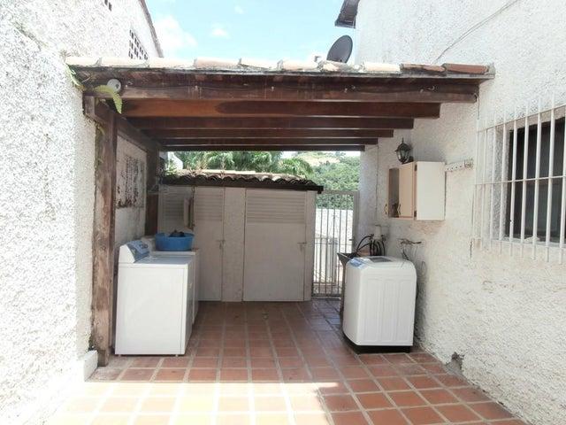 Casa Distrito Metropolitano>Caracas>La Lagunita Country Club - Venta:258.916.000 Precio Referencial - codigo: 16-16435