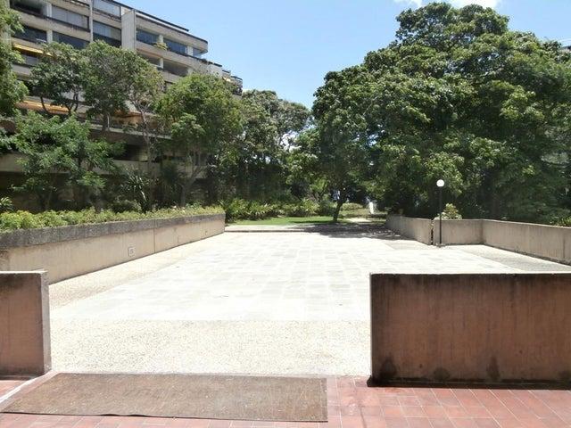 Apartamento Distrito Metropolitano>Caracas>Chulavista - Venta:33.838.000.000 Bolivares Fuertes - codigo: 16-16441