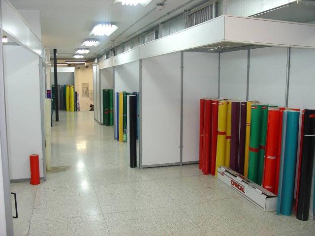Oficina Distrito Metropolitano>Caracas>Los Rosales - Venta:45.117.000.000 Bolivares - codigo: 16-16462