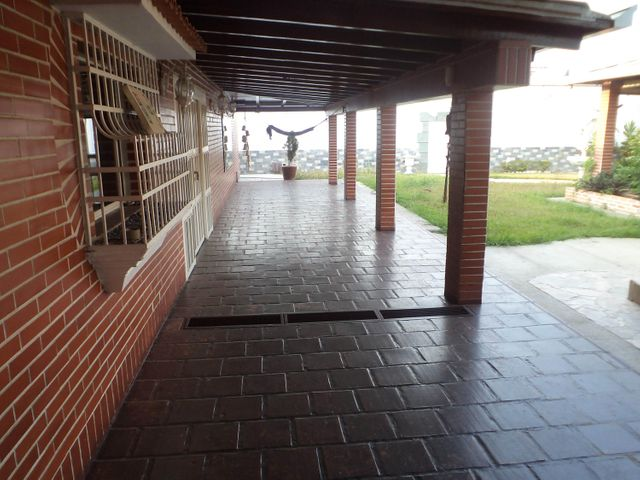 Casa Carabobo>Municipio Naguanagua>El Cafetal - Venta:2.800.000.000 Bolivares - codigo: 16-16548